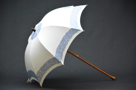 Women's parasols